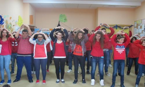Actividad con el alumnado: Cantajuegos y Villancicos en el CAI.